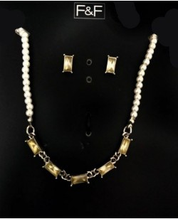 Delicate Stone Pearl Necklace Set