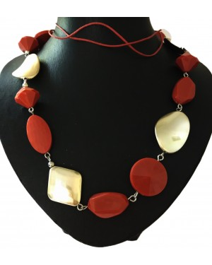 Plastic Pebble Shaped Bead Necklace
